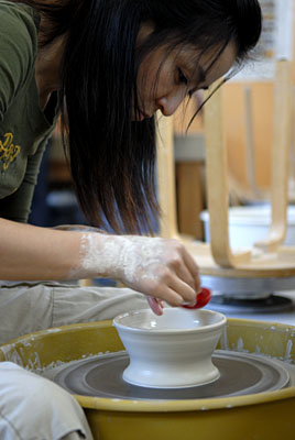 yeonji kim making a traditional korean tea bowl